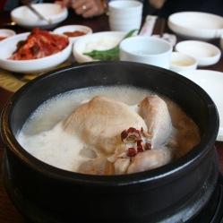 Samgyetang zuppa di pollo con gingseng, un vero aiuto per la salute